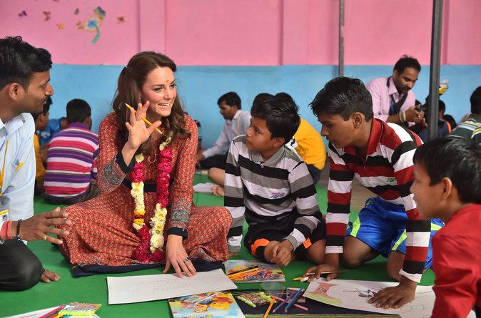 Photos : la Princesse Kate en fait voir de toutes les couleurs à l'Inde !