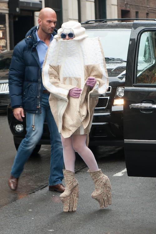 Photos : Lady Gaga : 28 ans aujourd'hui et toujours aussi OVNI !