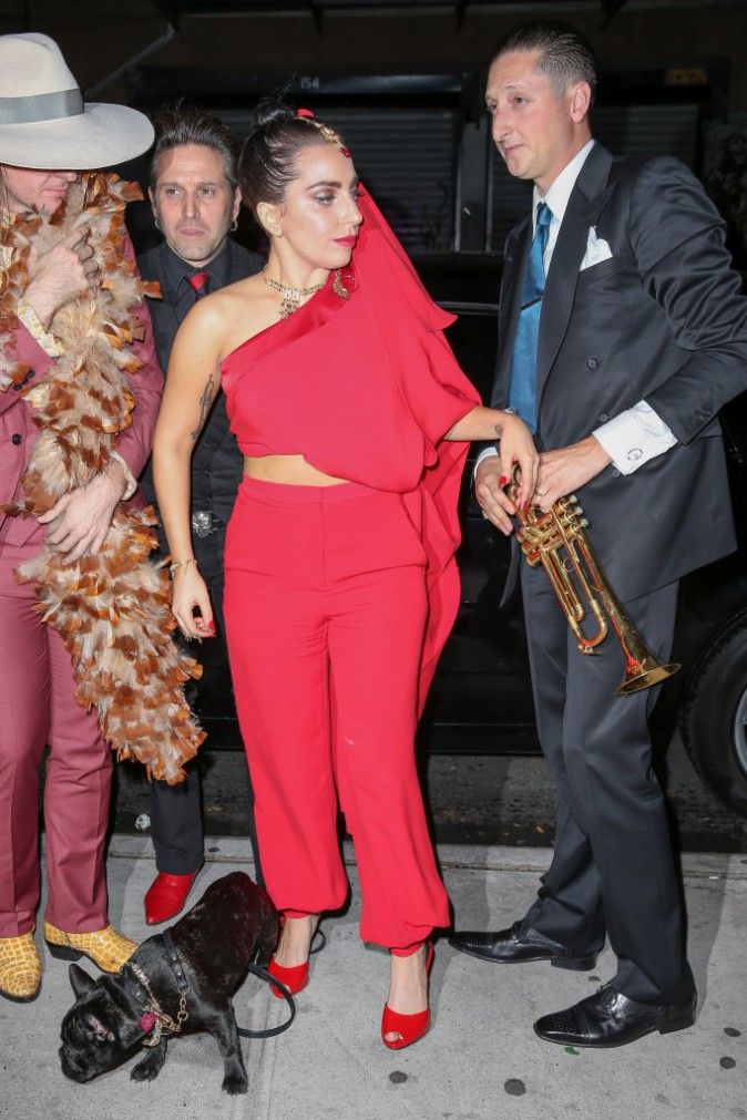Lady Gaga devant un night club de New York le 28 juillet 2014
