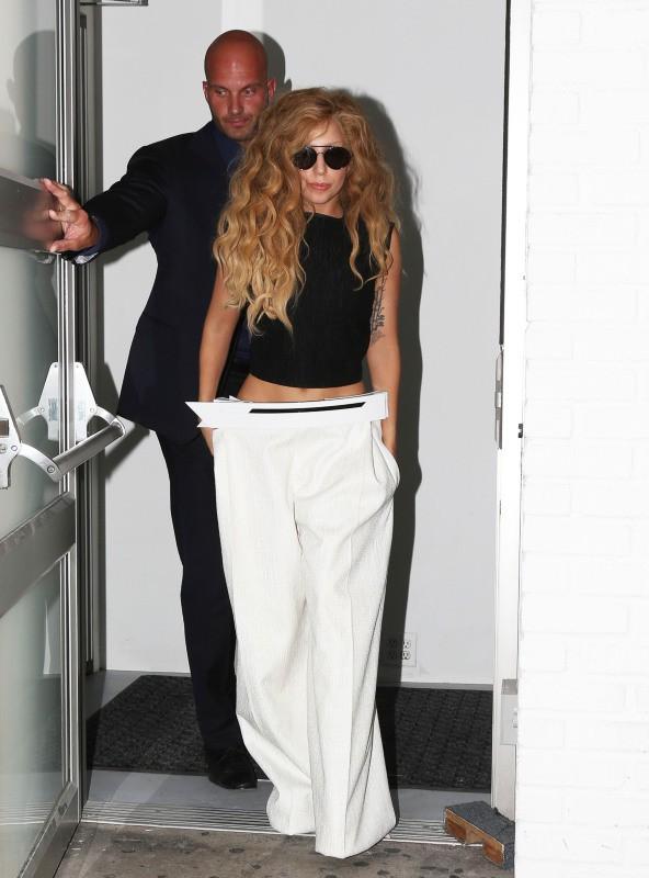 Lady Gaga auprès de ses fans après un shooting à New York, le 20 août 2013.