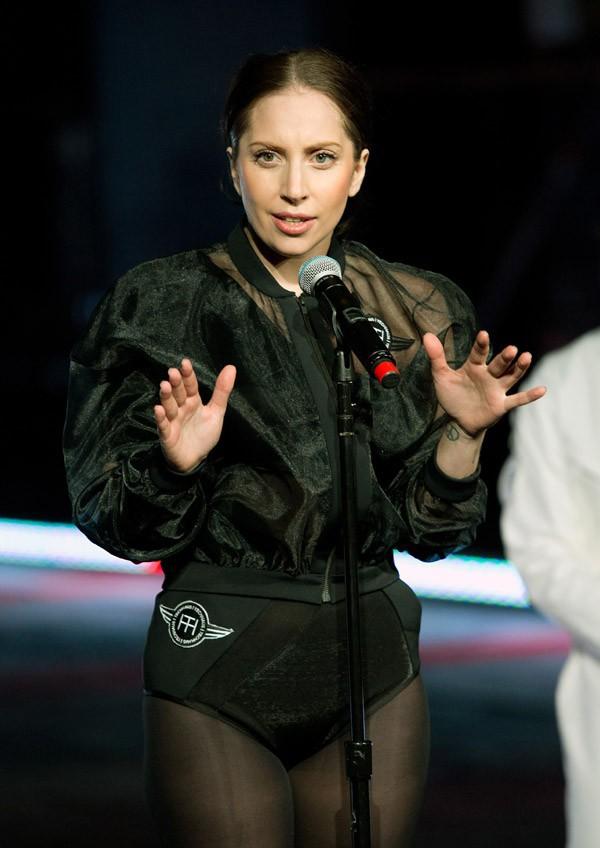 Lady Gaga à la présentation de la première robe volante, Volantis, à New-York le 10 novembre 2013