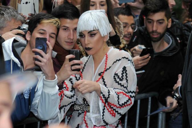 Lady Gaga : elle vous présente sa nouvelle perruque !