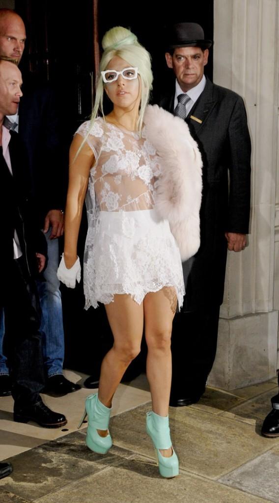 Aimeriez-vous la voir habillée normalement ?