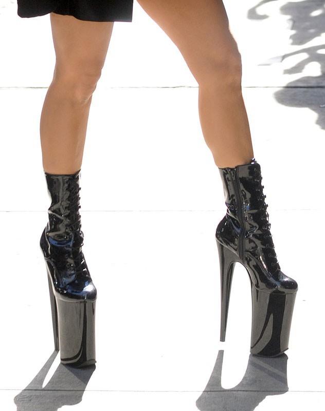Lady GaGa se rend à l'enregistrement de Good Morning America
