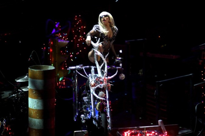 Lady Gaga au Jingle Ball hier à New-York