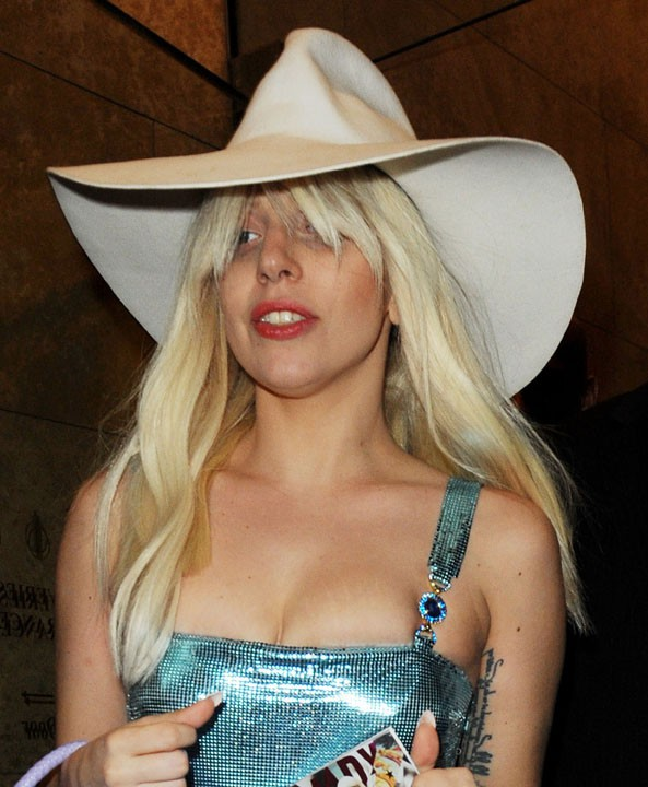 Lady Gaga à la sortie des studios de Sirius XM, à New-York, le 8 novembre 2013