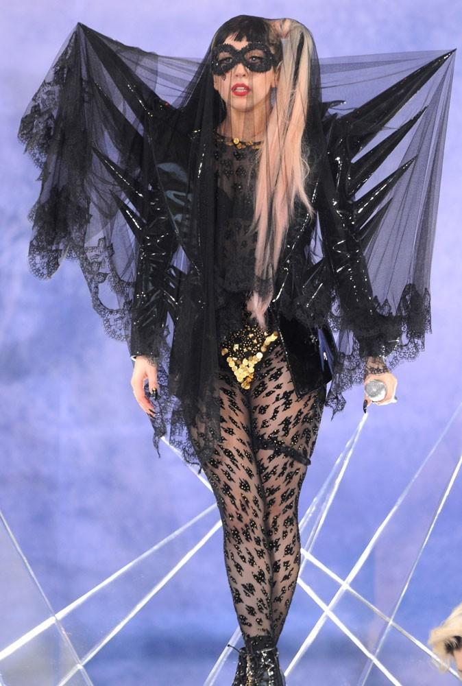 Photos : Lady Gaga doit sûrement être fan de Batman !
