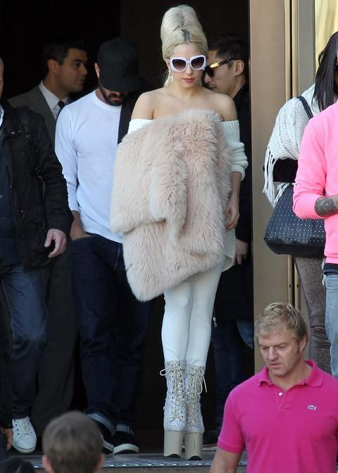 Lady Gaga se rend sur un yacht à Sydney ...