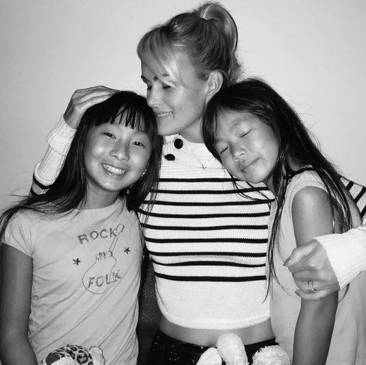 Laeticia Hallyday : tendres retrouvailles avec ses filles !