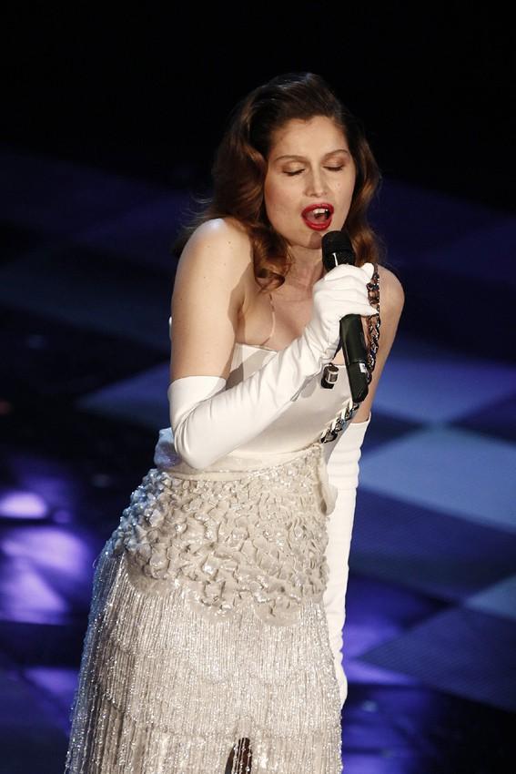 Laetitia Casta au festival de San Remo le 18 février 2014