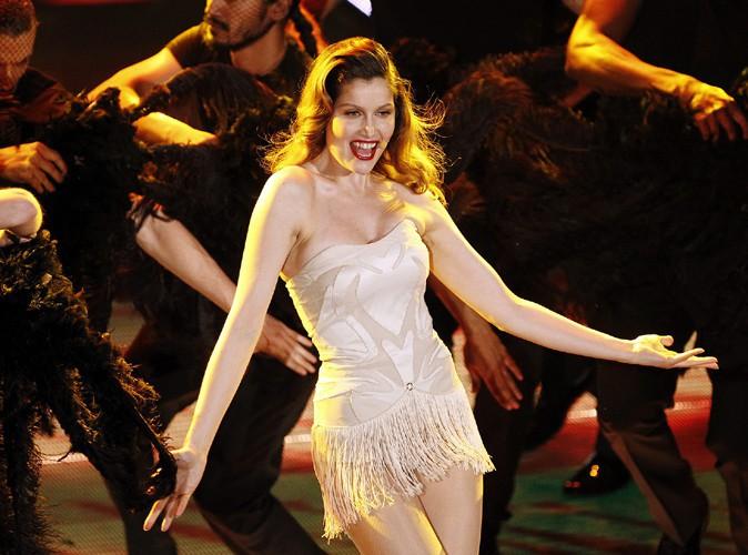 Laetitia Casta : beauté divine qui chante et danse en Italie !
