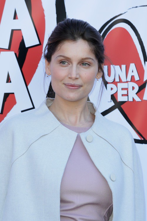 Photos : Laetitia Casta : une bella donna éclatante de beauté en Italie !