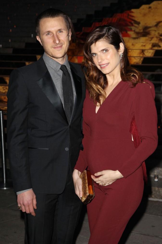 Lake Bell et son mari Scott Campbell lors de la soirée Vanity Fair à New York, le 23 avril 2014.