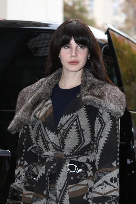 Lana Del Rey avec sa frange