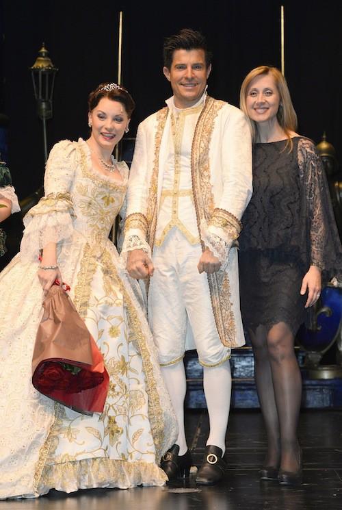 Photos : Lara Fabian : fatiguée, elle assiste à la première de La Belle et la bête pour soutenir Vincent Niclo !