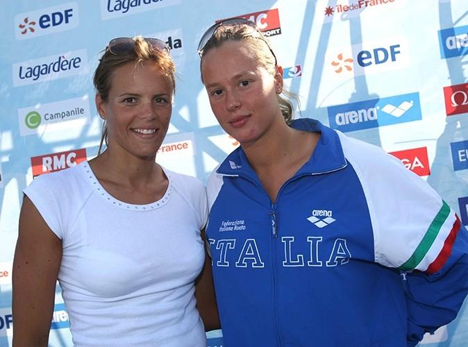 Laure Manaudou pose avec sa grande rivale italienne, Federica Pellegrini été 2007.