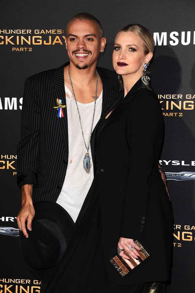 Photos : Le baiser fougueux d'Evan Ross et Ashlee Simpson