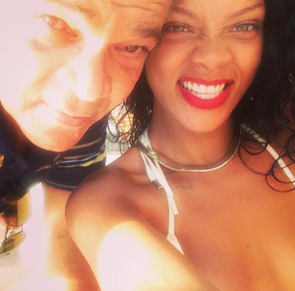 Le selfie déjanté version Rihanna !