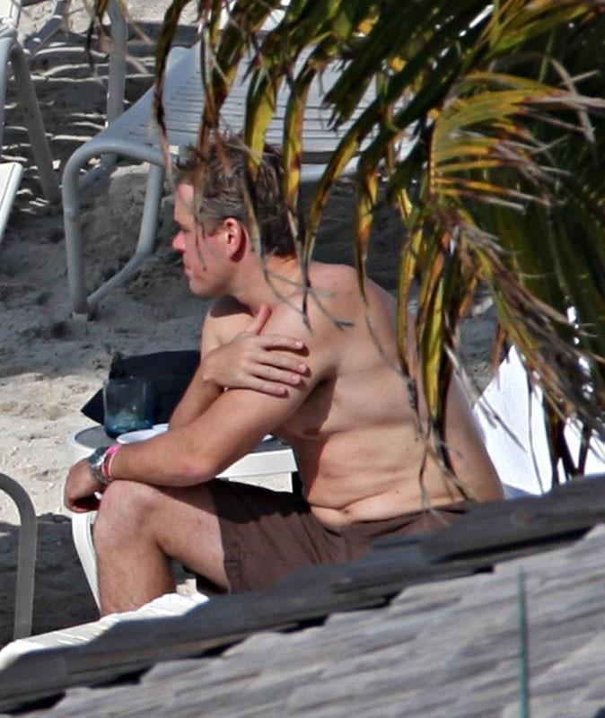 Matt Damon est moche à la plage !