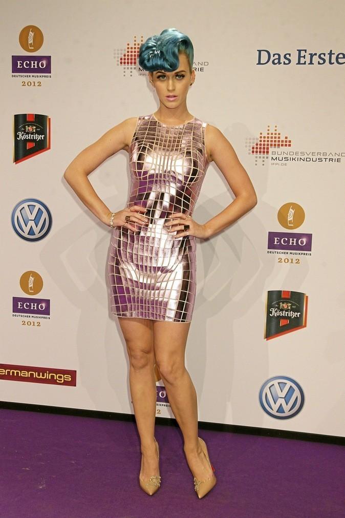 Katy Perry : look coloré ascendant regressif !