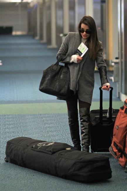 Lea Michele à l'aéroport de Vancouver, le 25 novembre 2012.