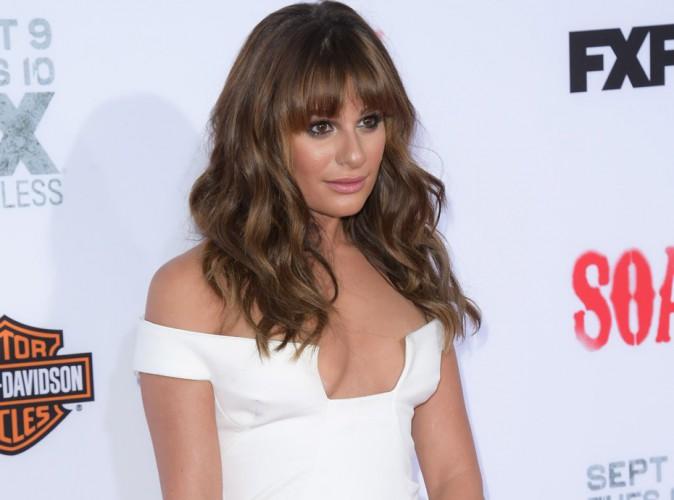 """Lea Michele : robe ultra-décolletée pour le lancement de la nouvelle saison de """"Sons Of Anarchy"""" !"""