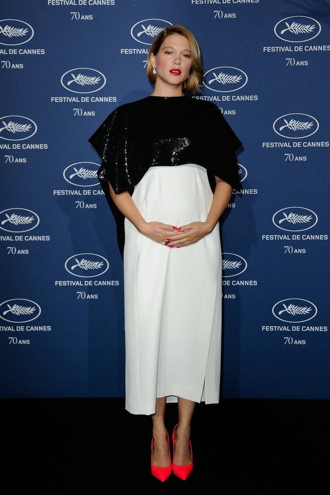 Léa Seydoux : elle affiche son beau ventre rond à la soirée d'anniversaire du Festival de Cannes