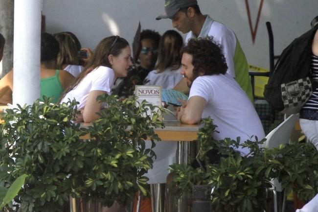 Leighton Meester et Aaron Himelstein au Brésil, le 14 avril 2012.