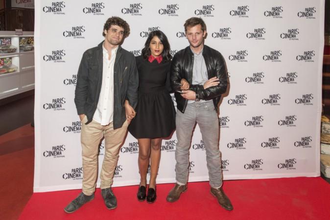 Photos : Leïla Bekhti : chic et glamour sur tapis rouge entourée de Nicolas Duvauchelle et Arthur Dupont !