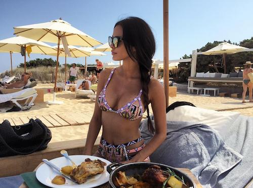 Photos : Leila Ben Khalifa, une bombe à Ibiza... prête à épouser son Aymeric ?