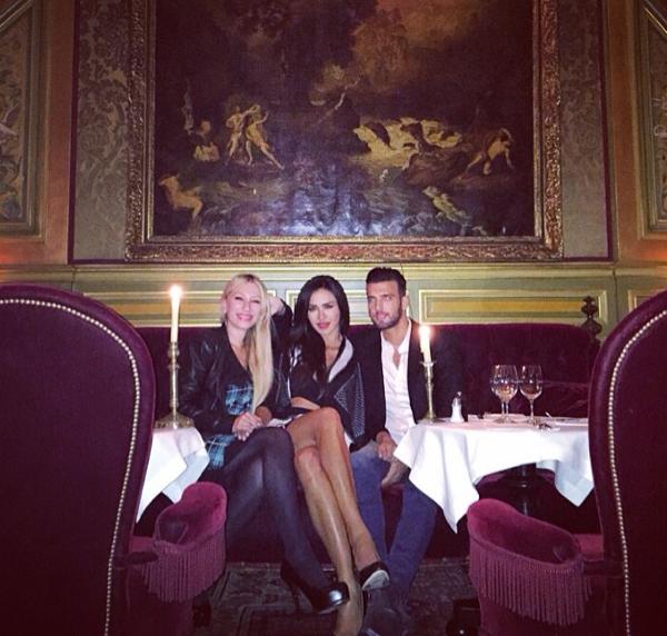 Photos : Leila (SS8) : bombe stylée pour un diner parisien avec son Aymeric adoré !