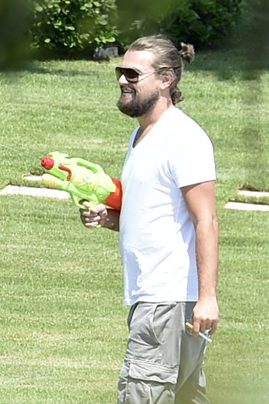 Photos : Leonardo DiCaprio : l'ancien beau gosse retombe en enfance !