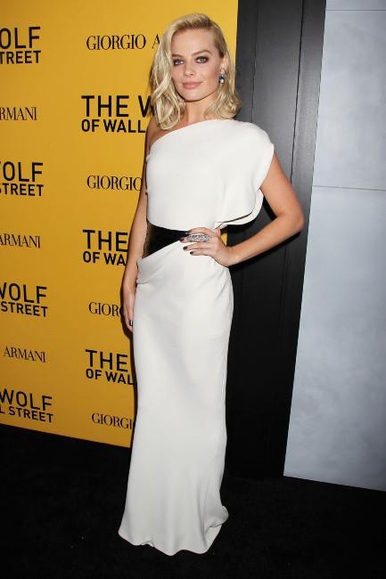 """Margot Robbie lors de la première du film """"Le loup de Wall Street"""" à New York, le 17 décembre 2013."""