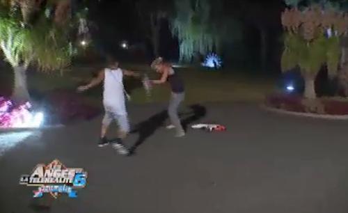 A la villa, la soirée se transforme en véritable bataille géante