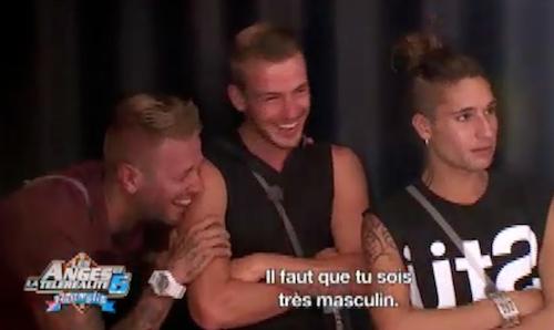 Eddy, Benjamin et Juline Blond se moquent des attitudes de Thibault