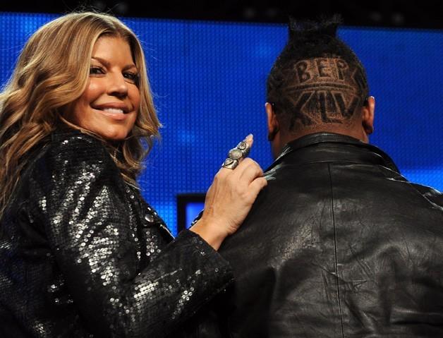 Fergie toute fière de nous présenter la coupe de cheveux de son copain !