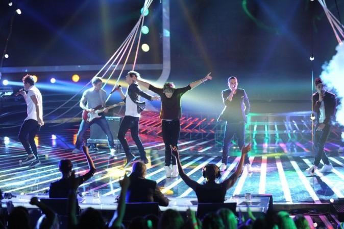 Le groupe a mis le feu sur le plateau de X Factor à Milan