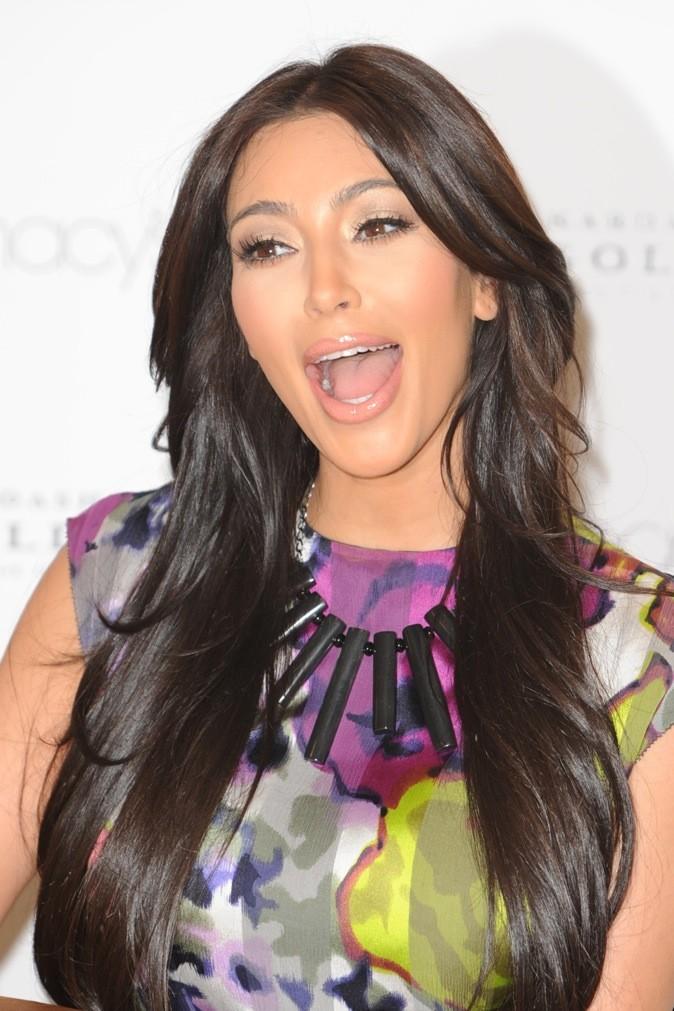 Kim Kardashian a une grande, grande bouche !