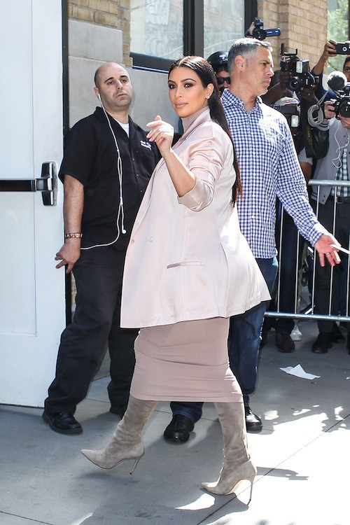 Photos : les sœurs Kardashian-Jenner au complet pour leur GRANDE annonce !
