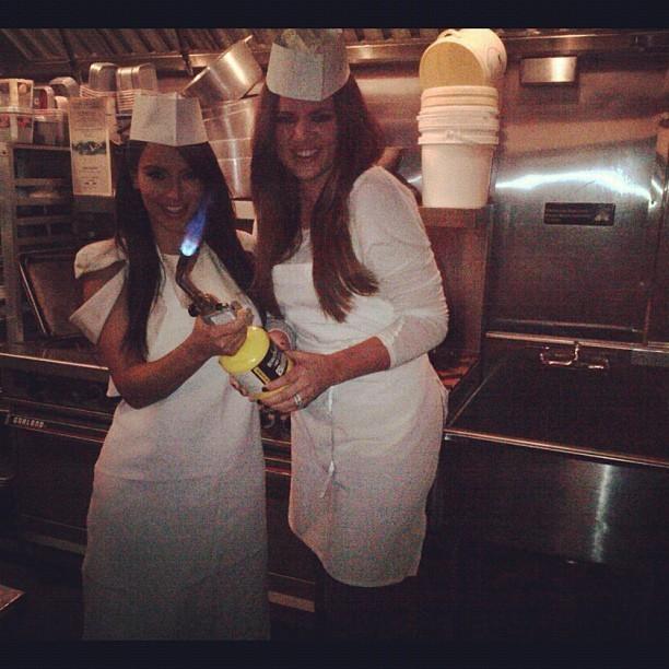 Kim et Khloé cuisinent ! Unbelievable