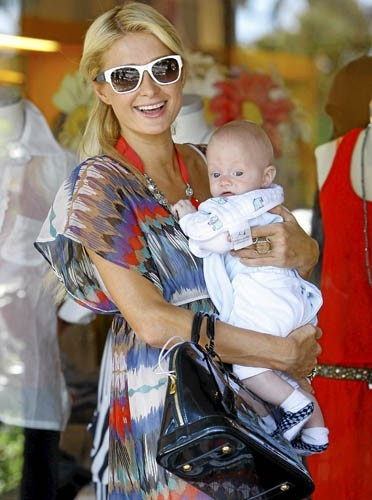 Paris Hilton : Un nouvel it-bag ?