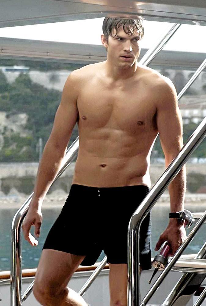 Ashton Kutcher : plus beau en maillot de bain !