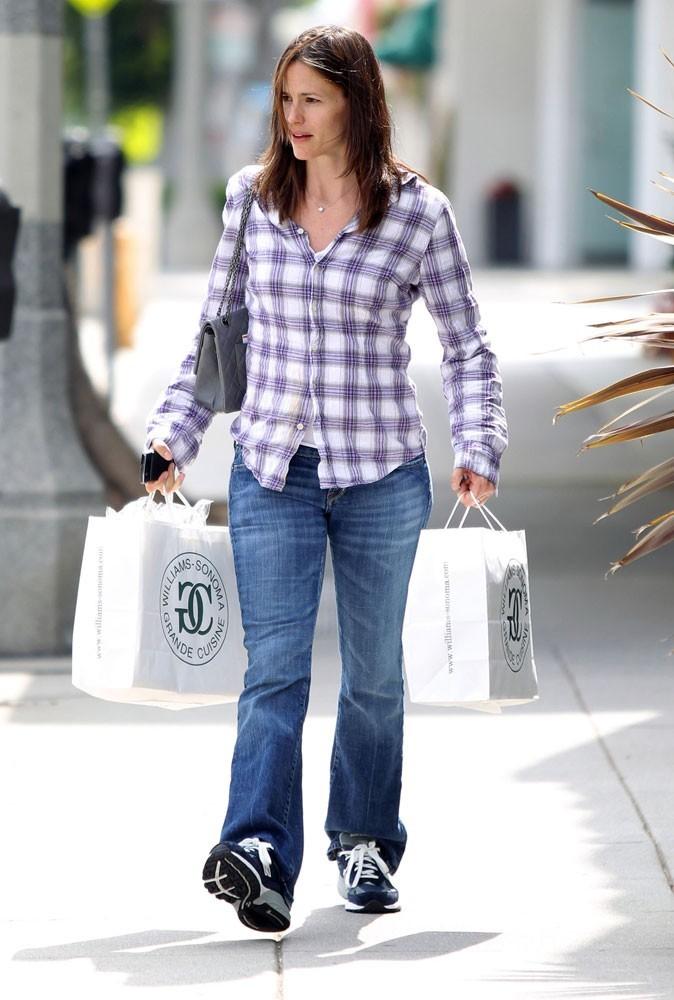 Jennifer Garner : bien foutue, mais mal sapée...