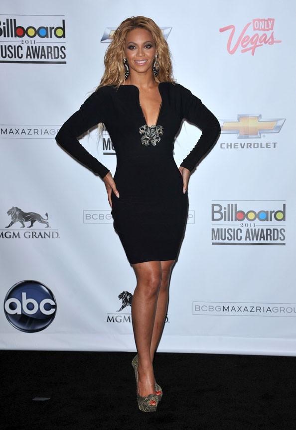 Beyoncé, elle a retrouvé cette silhouette après la naissance de Blue Ivy. Retrouvez ces dernières photos dans votre Public actuellement en vente !