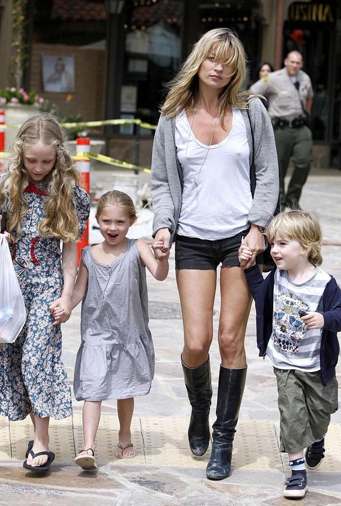 Fête des mères : Kate Moss est une maman trash !
