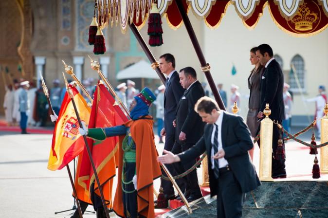 Photos : Letizia d'Espagne : élégante aux côtés de Felipe VI pour une visite au Maroc !