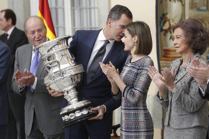 Photos : Letizia d'Espagne, radieuse pour remettre un prix sportif