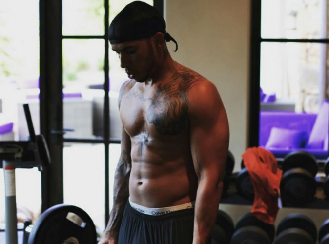 Lewis Hamilton : musculation et nouvelle coupe de cheveux avant d'aller retrouver Rihanna ?