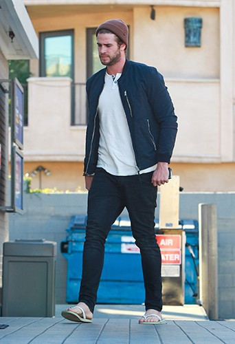 Liam Hemsworth à Los Angeles le 25 novembre 2013