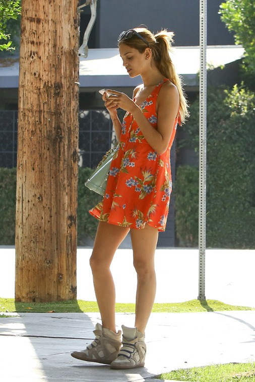Eiza Gonzalez à West Hollywood le 18 septembre 2013